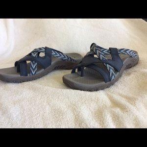 Sketchers blue sandals